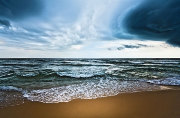 By absorbing much of the added heat trapped by atmospheric greenhouse gases, the oceans are delaying some of the impacts of climate change. Photo: WMO/Olga Khoroshunova | Source: UN News Centre