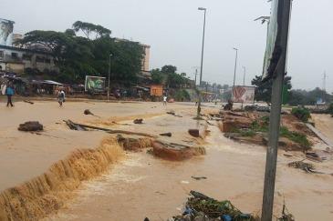 Floods wreaked havoc in Abidjan, capital of Côte d'Ivoire, in June 2014. Photo: IRIN/Alexis Adele