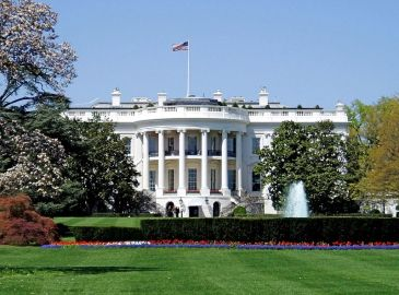 **Photo: White House, the executive mansion of the President of the United States, located at 1600 Pennsylvania Avenue in Washington, D.C. | Author: Matt H. Wade | Wikimedia Commons