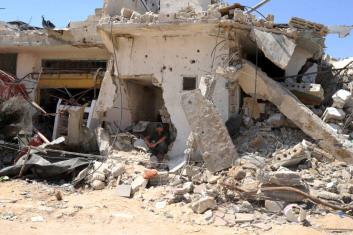 UNRWA estimates around 17,000 destroyed or damaged homes, rendering 100,000 people homeless in Gaza. Photo: UNRWA Archives/Shareef Sarah