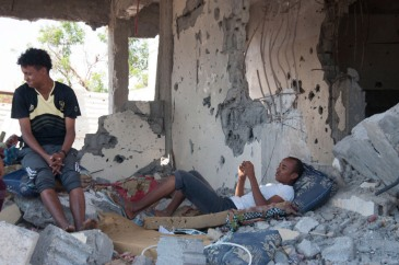 Damage to property and infrastructure caused by fighting between Government troops and militants is estimated at 95 per cent in some areas of Yemen. Photo: OCHA/EmanAl-Awami