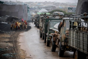 Kenyan troops serving with AMISOM make their way through the Somali port city of Kismayo following the ouster of Al Shabaab militants. UN Photo/Stuart Price