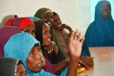 Women take part in a business management training workshop at the Ifo 2 camp in the Dadaab refugee complex. Photo: UN Women/Tabitha Icuga