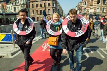Migrant solidarity marchers. Brussels, 23 April. [Joel Schalit/Flickr]   Source: EurActiv