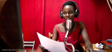 World Radio Day 2015 focuses on youth. Newscaster Lady Belinda Juaw at the community radio station Spirit FM 99.9 Yei in South Sudan, spreads information about the importance of voting, particularly for young women. Photo: Werner Anderson/Norwegian People's Aid via Flickr CC 2.0 | Source: UN Women