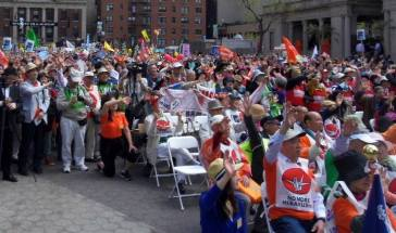 Demonstrators at the Peace and Planet Mobilisation in New York on the 26th of April wave goodbye to nuclear weapons (Image by www.globalwave.org)  | Source: Pressenza