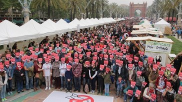 Spanish campaigners promote nuclear weapons ban at Earth festival | ICAN
