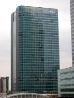 *****One Churchill Place, Barclays' HQ in Canary Wharf, London. Barclays is a major player in the world's primary and secondary bond markets. | Wikimedia Commons