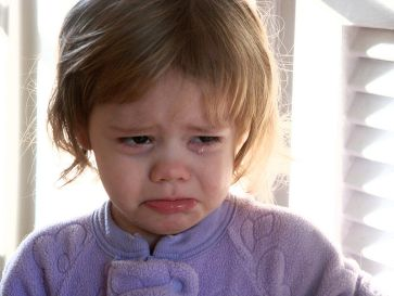 **A toddler girl crying | Author: Crimfants | Source: http://flickr.com/photos/crimfants/327861820/ | Permission: Creative Commons Attribution-ShareAlike 2.0 | Wikimedia Commons