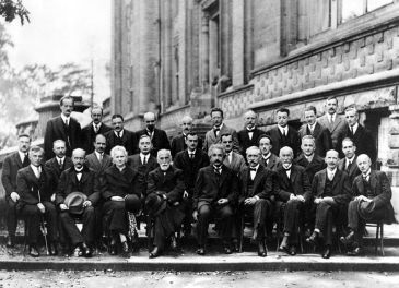 **The 1927 Solvay Conference in Brussels, a gathering of the world's top physicists. Einstein in the center. | Author: Benjamin Couprie, Institut International de Physique de Solvay | Date: 1027 | Wikimedia Commons
