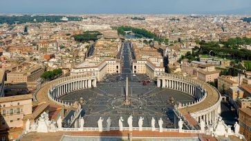 **View of St. Peter's Square from the top of Michelangelo's dome | Author: Diliff |