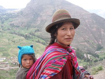 ***Quechua woman and child in the Sacred Valley, Andes, Peru | Author: quint | Source: Mother and Child | Wikimedia Commons