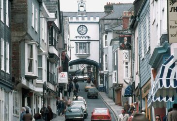 *******Totnes, Devon, England: a transition town | Author: Manfred Heyde | Wikimedia Commons