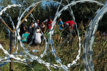 To stem the flow of refugees, some European countries have closed entry points along their borders, such as the Hungarian Government, which built a fence along its border with Serbia and instituted a law criminalising irregular entry into the country. UNHCR/Mark Henley