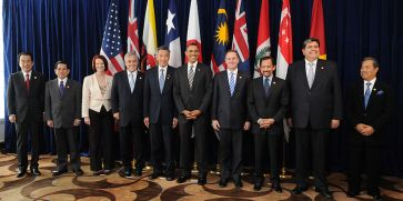 **A summit with leaders of the member states of the Trans-Pacific Strategic Economic Partnership Agreement (TPP). Pictured, from left, are Naoto Kan (Japan), Nguyễn Minh Triết (Vietnam), Julia Gillard (Australia), Sebastián Piñera (Chile), Lee Hsien Loong (Singapore), Barack Obama (United States), John Key (New Zealand), Hassanal Bolkiah (Brunei), Alan García (Peru), and Muhyiddin Yassin (Malaysia). Six of these leaders represent countries that are currently negotiating to join the group. | Author: Gobierno de Chile | Wikimedia Commons