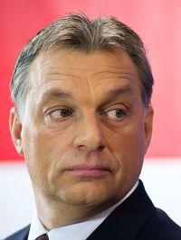 449px-OrbanViktor_2011-01-07