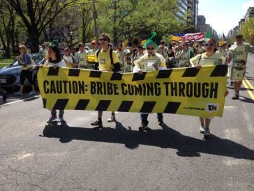 800px-caution_bribe_coming_through_washington_dc_1