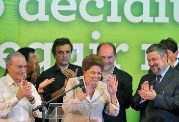 800px-DilmaEleita01