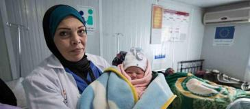 95746-ogb-zaatari-camp-hospital-maternity-tom-white-900x395