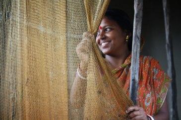 bengali-woman_fishing-villa