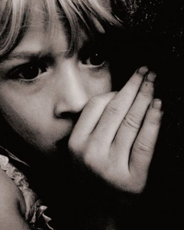480px-Scared_Child_at_Nighttime-378x472