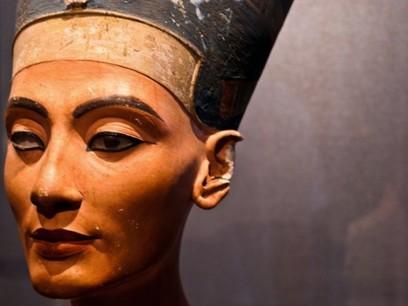 Nefertiti-Bust