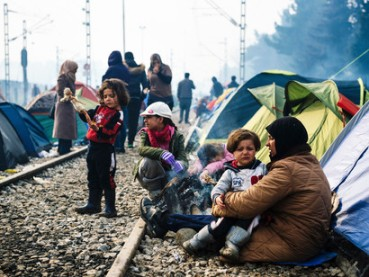 Migrants-on-the-railway