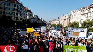 Prorefugee_protest_Prague