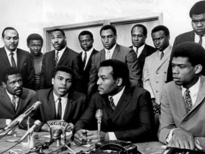Muhammed-Ali-during-a-press-conference