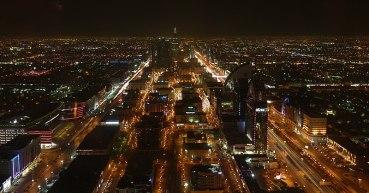 800px-Night_view_of_City_Riyadh_from_Hauptstadt_Saudi_Arabiens_-_panoramio
