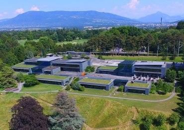 800px-World_Economic_Forum_headquarters_(cropped)
