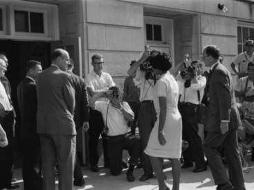 African-American-university-student-Vivian-Malone-entering-the-University-of-Alabama-in-the-US