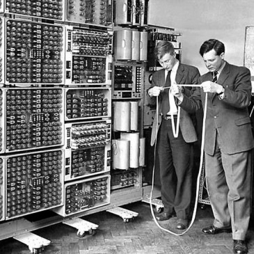 Turing-computer-WWII-deciphering-Enigma