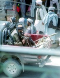 800px-Taliban-herat-2001_retouched
