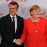 600px-Emmanuel_Macron_and_Angela_Merkel_(Frankfurter_Buchmesse_2017)