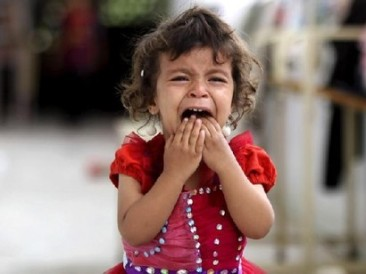 A-little-crying-girl-in-Syria