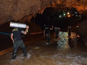 Rescues-in-Thai-Cave
