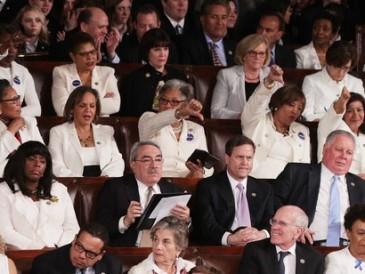 The-Democratic-women-of-Congress-wearing-white