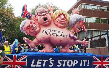 800px-Brexit-is-a-monstrosity-float-2017-10-01-in-manchester-photo-robert-mandel