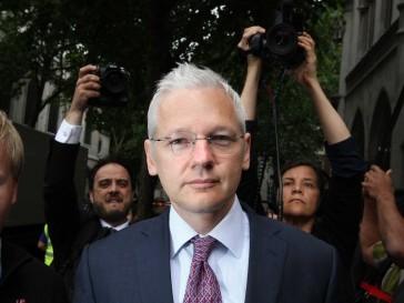 Julian-Assange-at-the-Ecuador-embassy-in-London