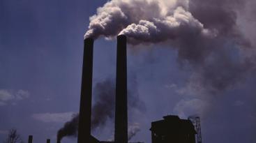 Fossil 1 by Alfred T. Palmer wikimedia smokestacks