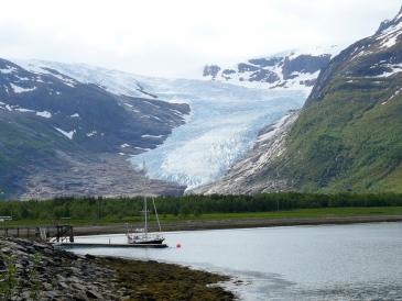 Svartisen_glacier.jpg