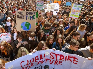 Demonstrations-for-the-global-climate-emergency-in-Rome