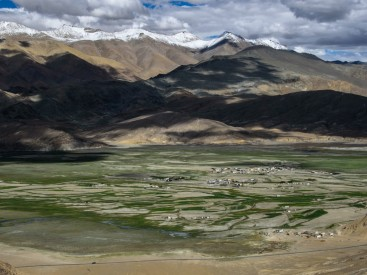 Hanle-valley-from-observatory-hill-c-Ashish-Kothari