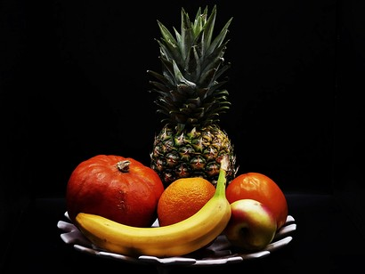 Its-important-to-eat-plenty-of-dietary-fiber-as-well-as-fresh-fruits-and-vegetables