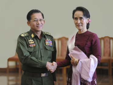Aung-San-Suu-Kyi-with-General-Min-Aung-Hlaing