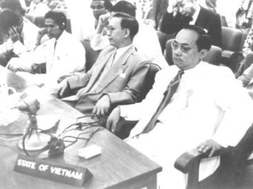 The-Vietnamese-delegation-at-the-Bandung-Conference