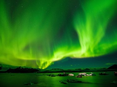 A-solar-flare-can-showcase-Northern-Lights-over-Hawaii-and-knock-out-all-satellites